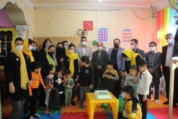 دیدار رئیس کمیسیون فرهنگی اجتماعی شورا و مدیران شهرداری از کودکان مرکز آموزشی اوتیسم و مرکز حمایتی آموزشی کودک و خانواده